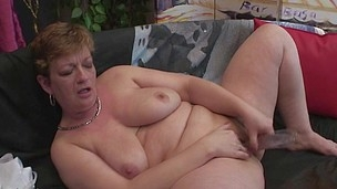 mommy can`t live without playing with her cum-hole