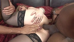 Hubby surprises his wife doing a black dong and helps `em