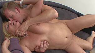 This golden-haired mother i`d get a bang to fuck just wish to play with a 10-Pounder and feel it!
