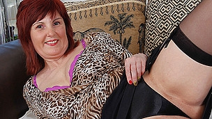 Hawt older housewife plays with her favourite toys