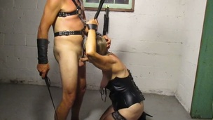 Trashy amateur mom sucking large shlong balls unfathomable in homemade BDSM clip